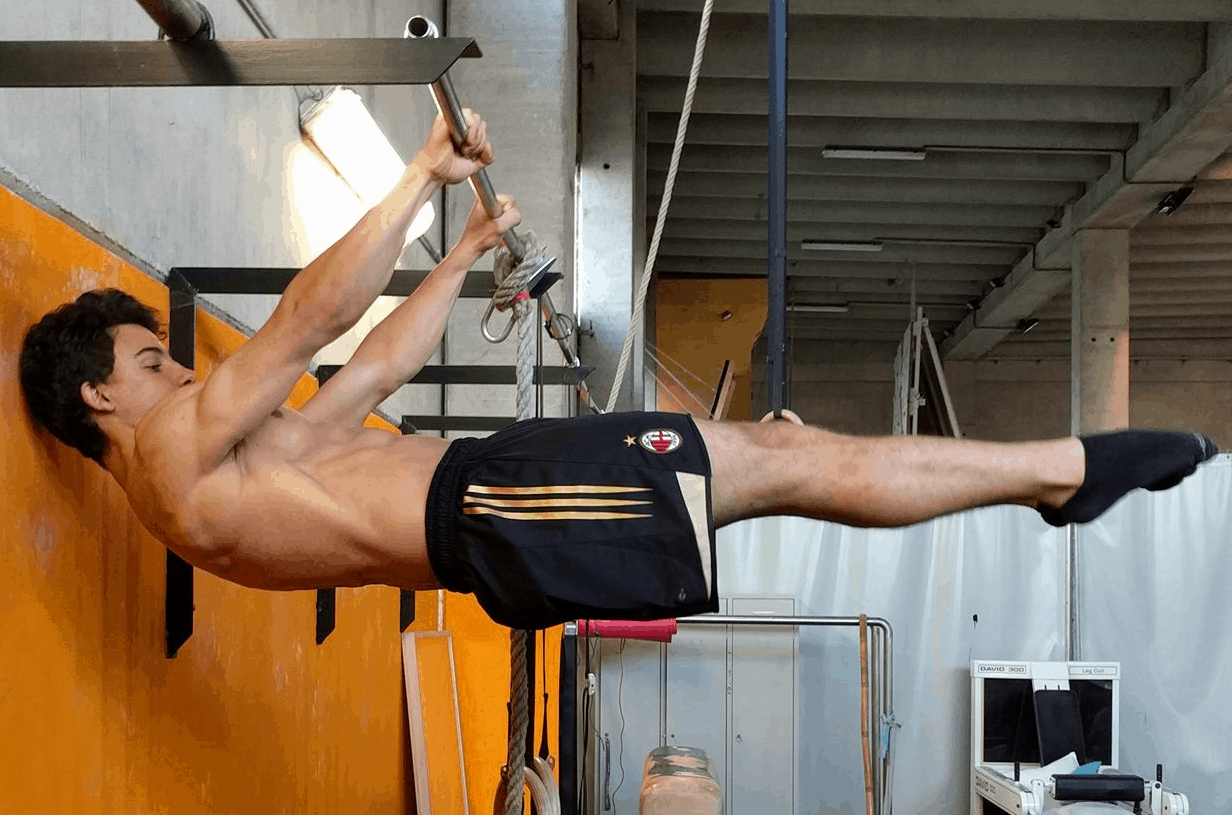 Front-lever Matteo Pacciani